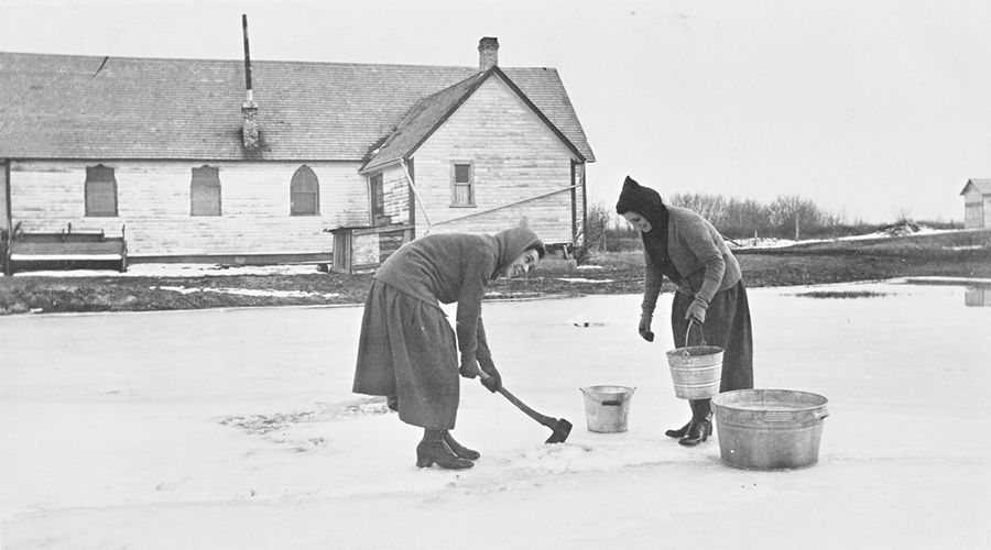 Sisters Roberts and Mossey chop for water